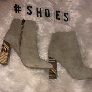 Suade Vince Camuto boots✨